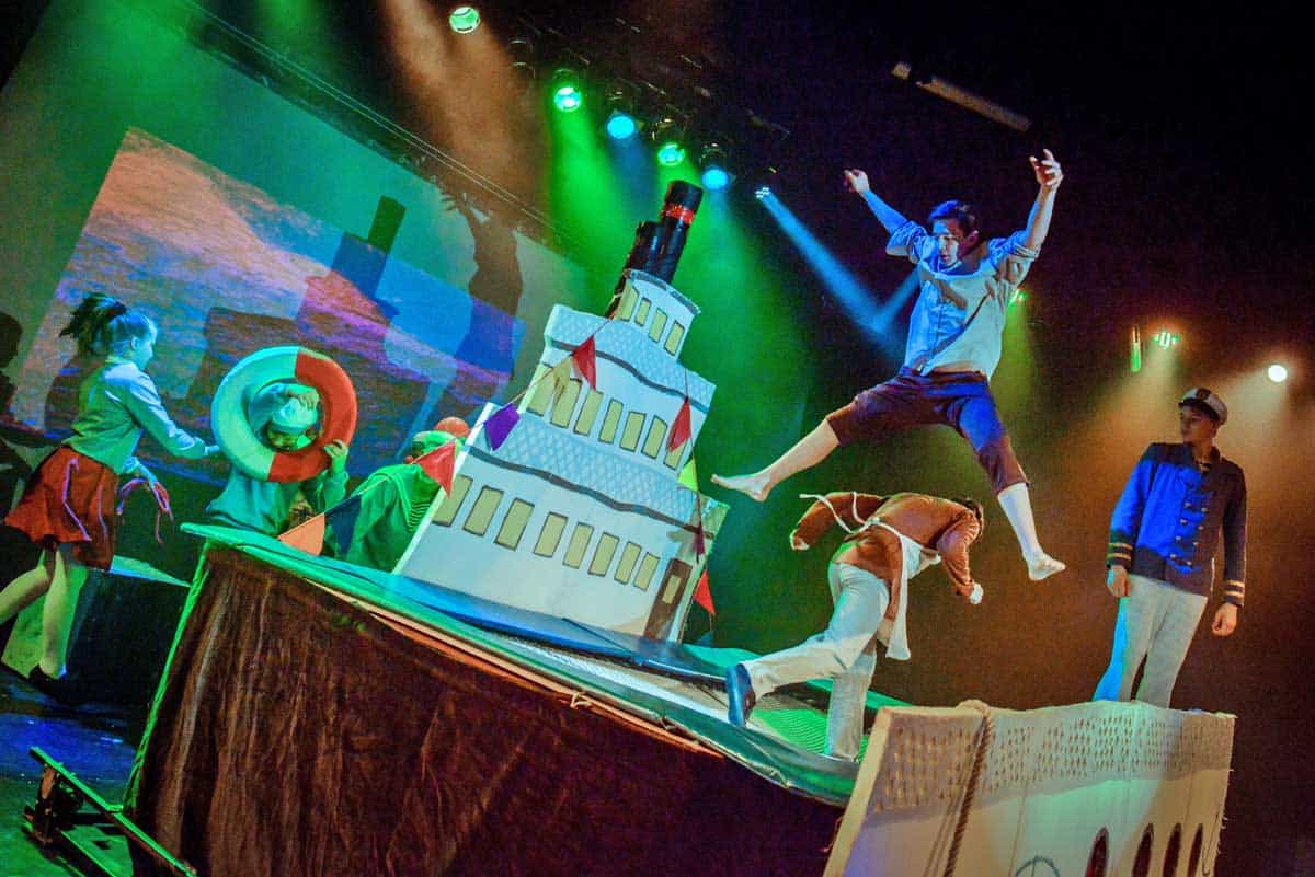 Upsala in Bonn - Strassenzirkus aus Sankt Petersburg im Jungen Theater